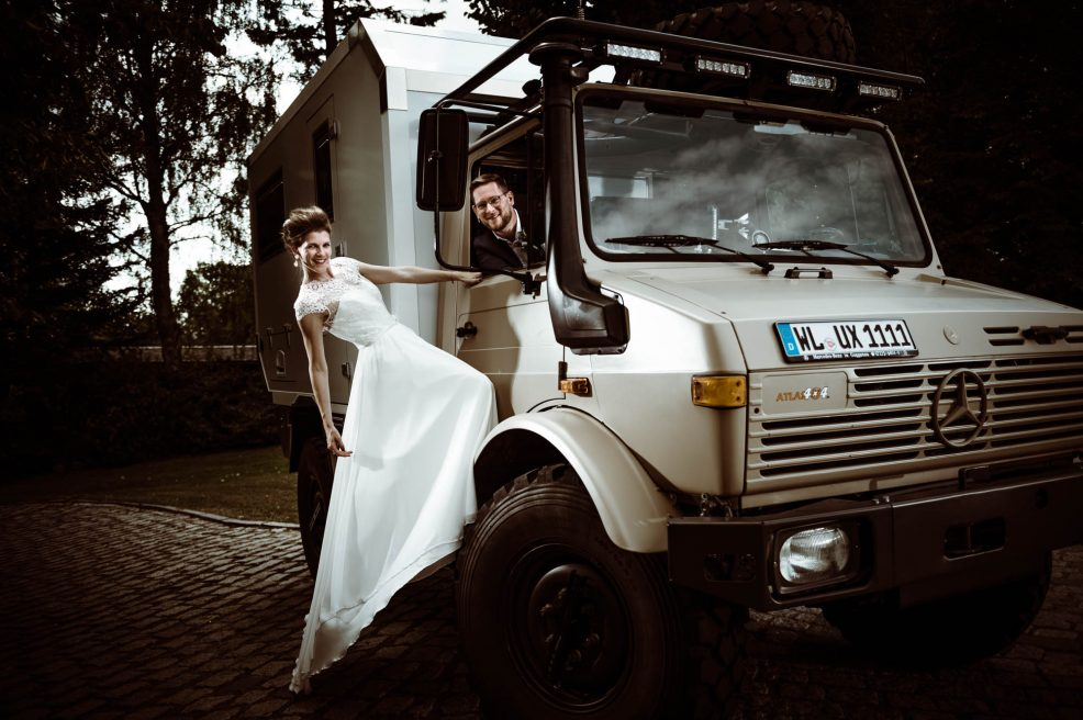 Couple-Shooting mit Unimog – Amelie & Dennis